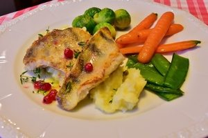 lemon glazed healthy pangasius with vegetables